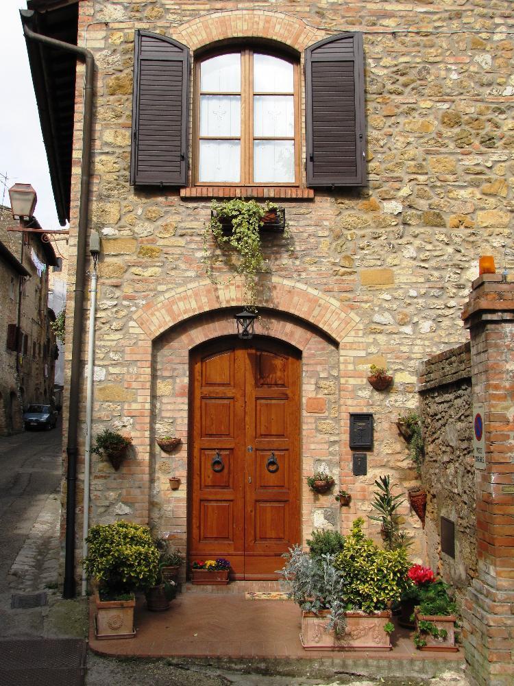 Italy - Doorway